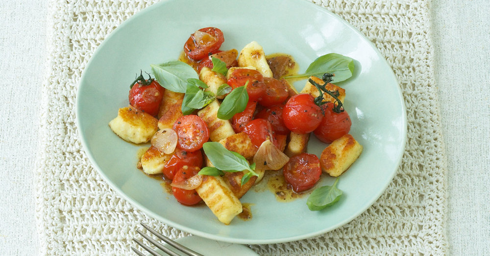 Ricotta-Gnocchi mit geschmolzenen Tomaten