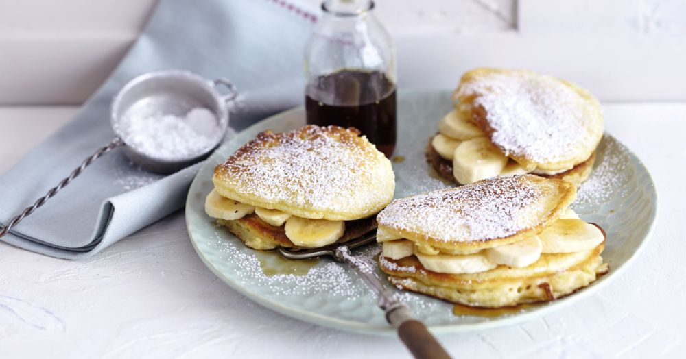 pancakes mit ahornsirup und bananen rezept k cheng tter. Black Bedroom Furniture Sets. Home Design Ideas
