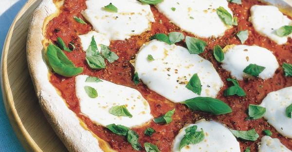 italienische pizza margherita rezept k cheng tter. Black Bedroom Furniture Sets. Home Design Ideas