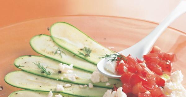zucchini carpaccio mit tomaten rezept k cheng tter. Black Bedroom Furniture Sets. Home Design Ideas