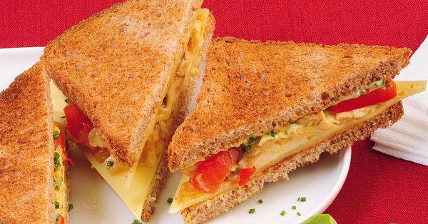schnelles paprika r hrei sandwich rezept k cheng tter. Black Bedroom Furniture Sets. Home Design Ideas