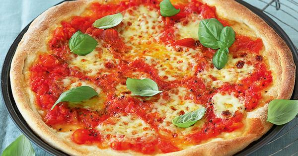 rezept f r pizza margherita k cheng tter. Black Bedroom Furniture Sets. Home Design Ideas