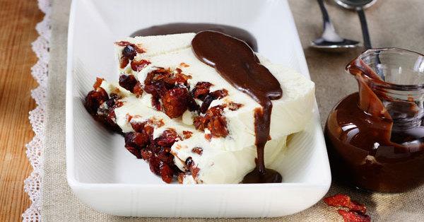 cranberry kokos parfait mit schoko ingwer sauce rezept k cheng tter. Black Bedroom Furniture Sets. Home Design Ideas