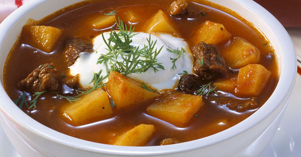 pikante gulaschsuppe rezept kuechengoetter