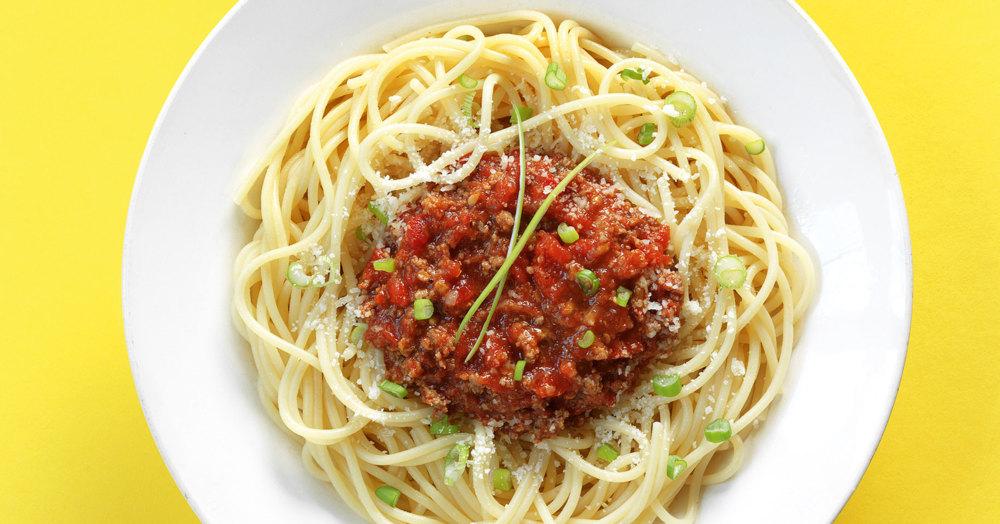 Spaghetti mit Blitzbolognese