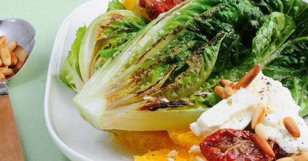 Salatherzen mit Orangen und Feta