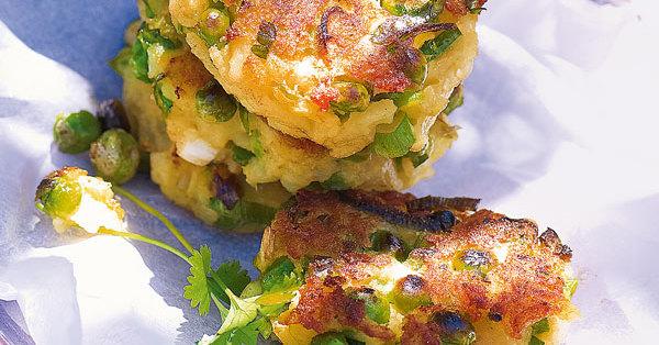 Kartoffelküchlein mit Erbsen und Koriandergrün