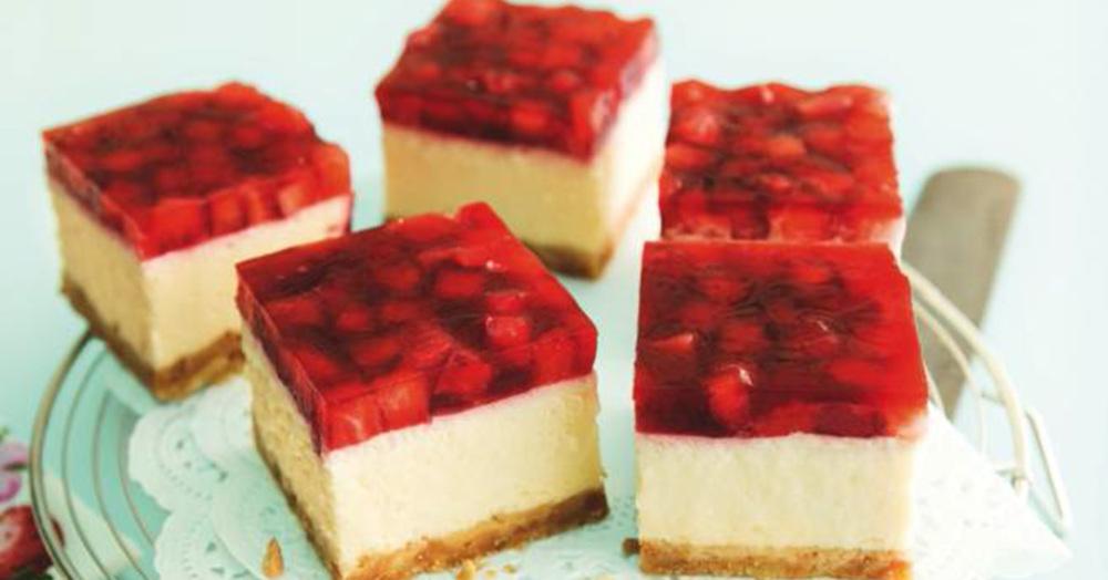 cheesecake mit erdbeeren rezept k cheng tter. Black Bedroom Furniture Sets. Home Design Ideas