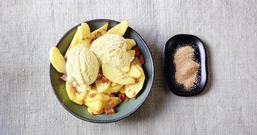 Apfelstückchen mit Zimt aus der Heißluftfritteuse