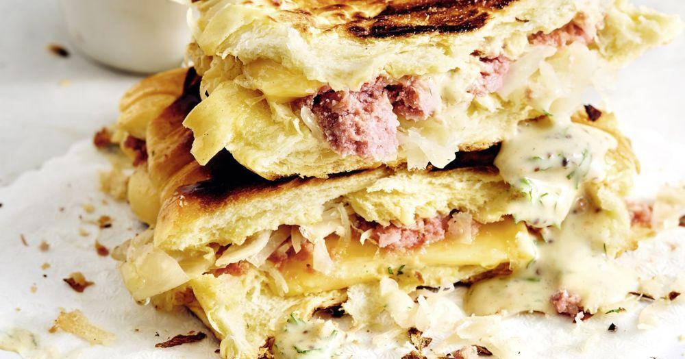 Reuben-Croissants