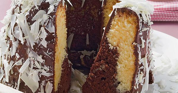 Marmorkuchen mit weißer Schokolade