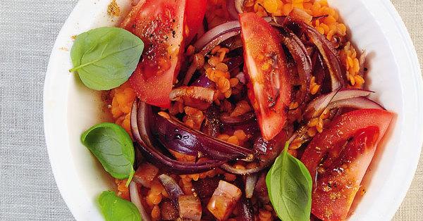 rote linsen salat mit speck und zwiebeln rezept k cheng tter. Black Bedroom Furniture Sets. Home Design Ideas