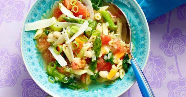 vegetarische fr hlings minestrone rezept k cheng tter. Black Bedroom Furniture Sets. Home Design Ideas