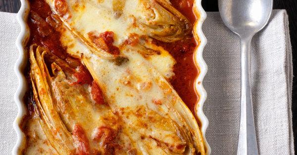 chicor e in tomatensauce mit parmesan rezept k cheng tter. Black Bedroom Furniture Sets. Home Design Ideas