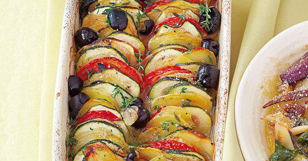25 Minuten Zucchini-Tomaten-Gratin