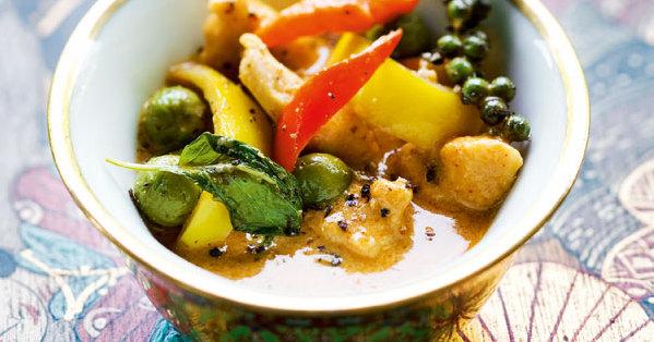 rotes curry mit h hnerfleisch gai pad prik phauw rezept k cheng tter. Black Bedroom Furniture Sets. Home Design Ideas