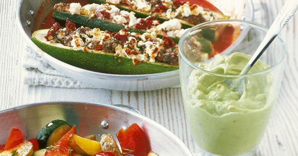 gef llte zucchini mit feta und couscous rezept k cheng tter. Black Bedroom Furniture Sets. Home Design Ideas