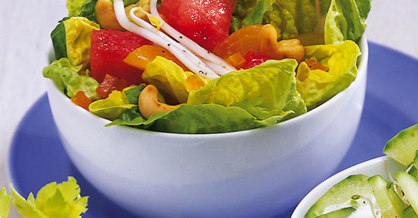 salate mit gem se und fr chten 2 k cheng tter. Black Bedroom Furniture Sets. Home Design Ideas