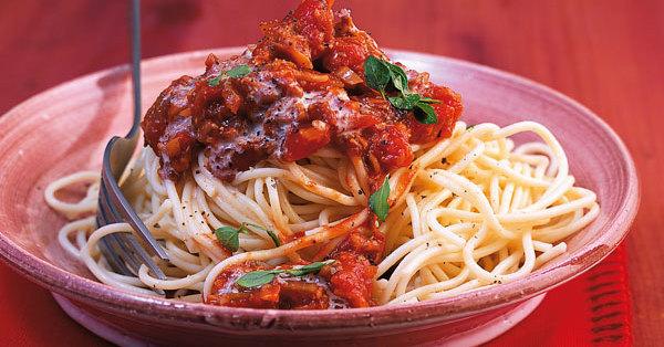 spaghetti mit funghi bolognese rezept k cheng tter. Black Bedroom Furniture Sets. Home Design Ideas