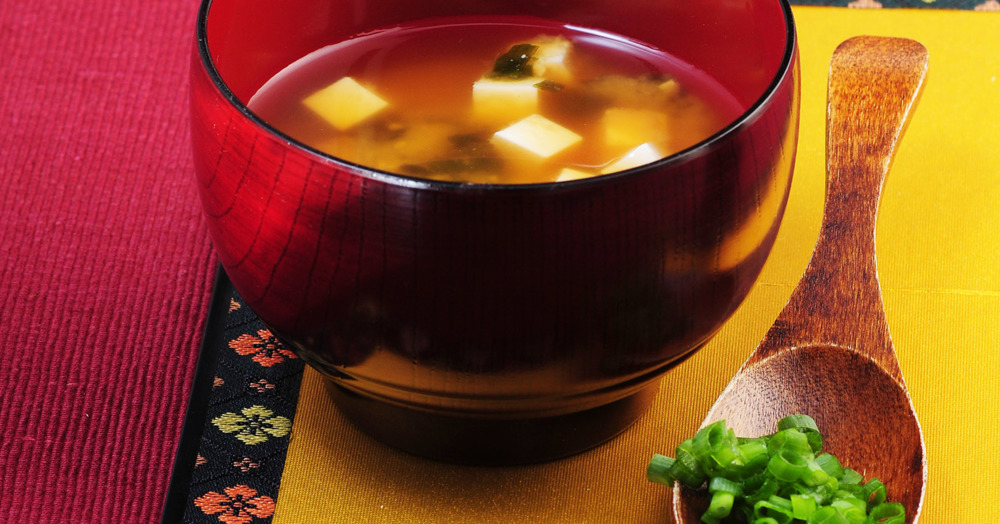 miso suppe mit tofu rezept k cheng tter. Black Bedroom Furniture Sets. Home Design Ideas
