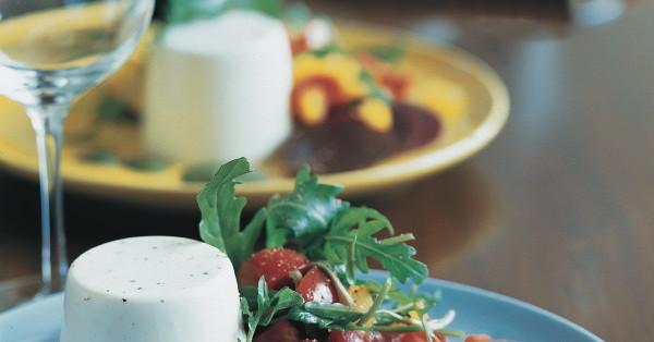 Ziegenfrischkäse-Parfait mit Pesto