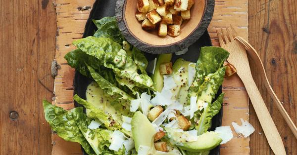 caesar 39 s salad mit avocado rezept k cheng tter. Black Bedroom Furniture Sets. Home Design Ideas