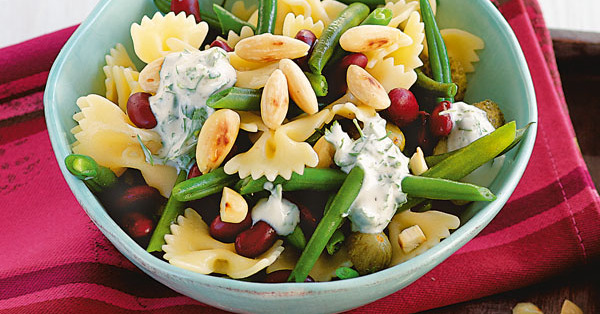 Bohnen-Nudel-Salat mit Joghurtdressing
