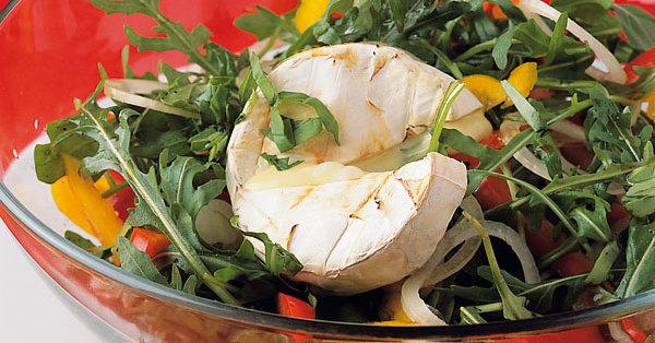 paprika rucola salat mit camembert rezept k cheng tter. Black Bedroom Furniture Sets. Home Design Ideas