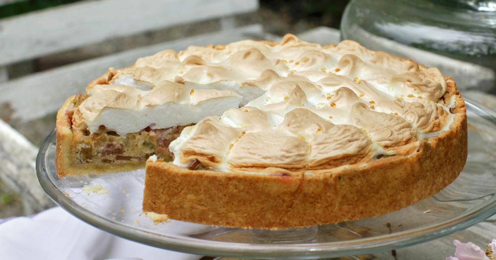 rhabarberkuchen mit baiser rezept kuechengoetter