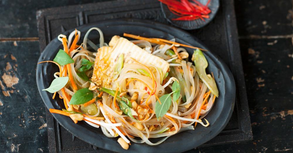 Würziger Tofu mit Glasnudelsalat