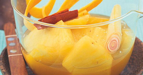 Ananas und Zitrone zum Abnehmen