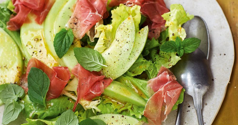 schinken melone salat mit nussiger sherry vinaigrette rezept k cheng tter. Black Bedroom Furniture Sets. Home Design Ideas