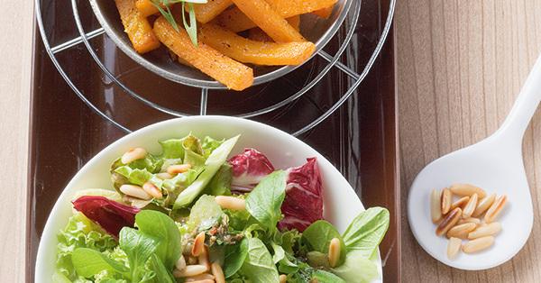 gemischte salate mit k rbis rezept k cheng tter. Black Bedroom Furniture Sets. Home Design Ideas