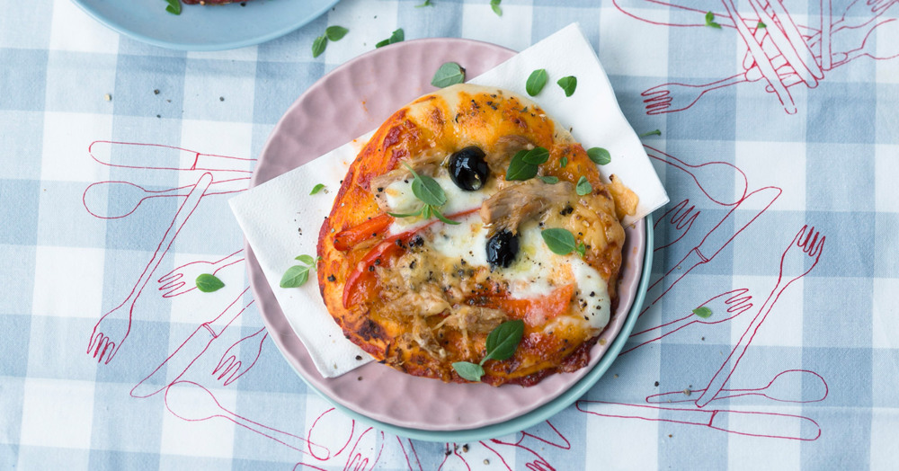mini pizzas mit buntem belag f r kinder rezept k cheng tter. Black Bedroom Furniture Sets. Home Design Ideas