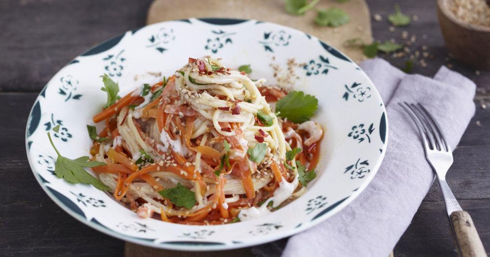 Vegane Möhren-Haselnuss-Spaghetti