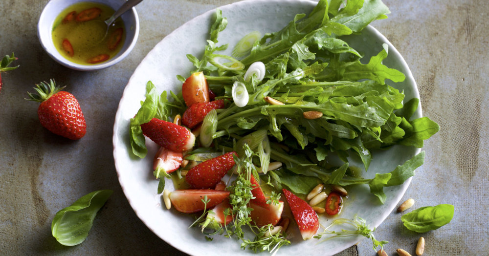 rezept f r rucolasalat mit erdbeeren k cheng tter. Black Bedroom Furniture Sets. Home Design Ideas