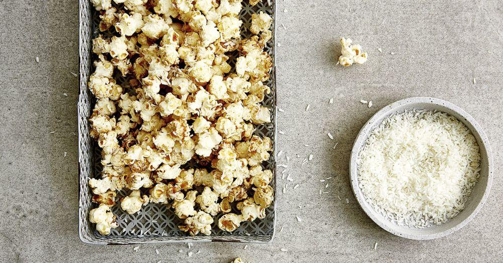 exotisches kokos popcorn rezept k cheng tter. Black Bedroom Furniture Sets. Home Design Ideas