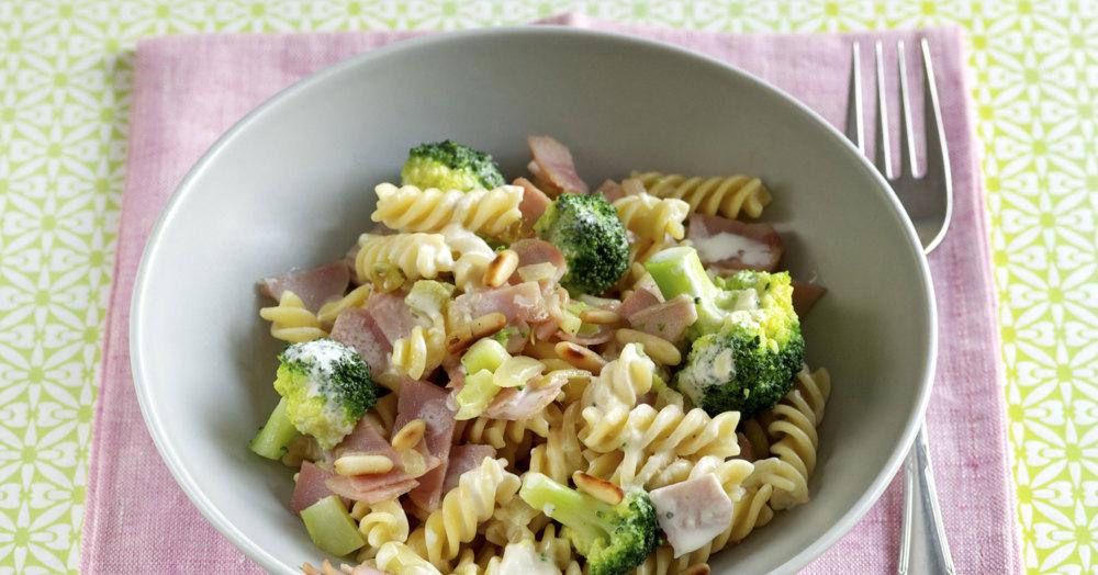 Schinken-Nudeln mit Brokkoli