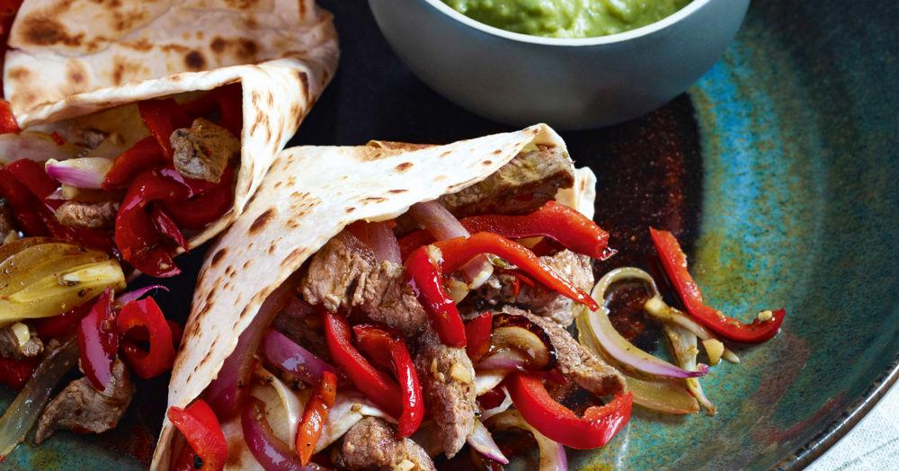 Beef-Fajitas mit Paprika und Zwiebeln