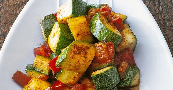 Einfache indische Zucchini