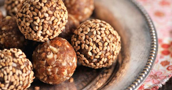 Sesamkugeln - orientalische Energyballs