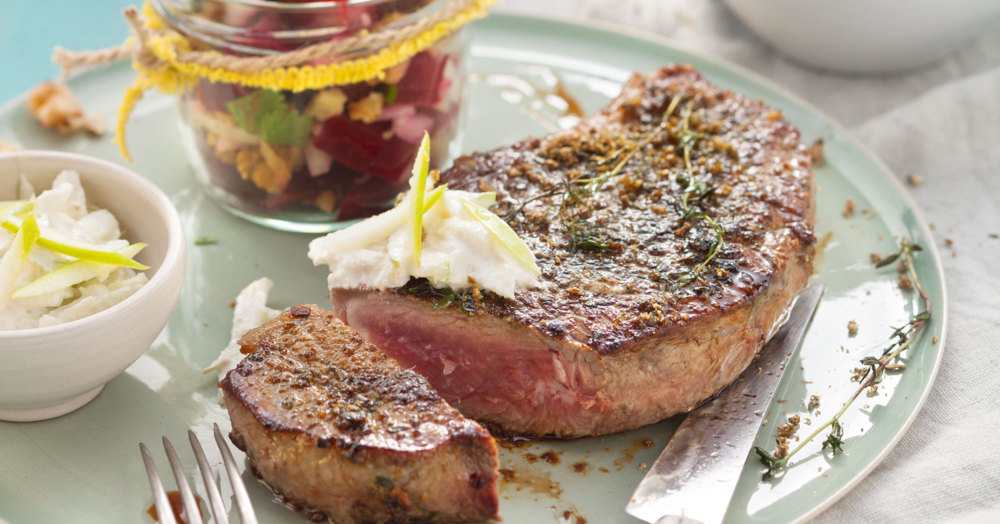 steinpilzsteaks mit rote bete salat rezept low carb k cheng tter. Black Bedroom Furniture Sets. Home Design Ideas