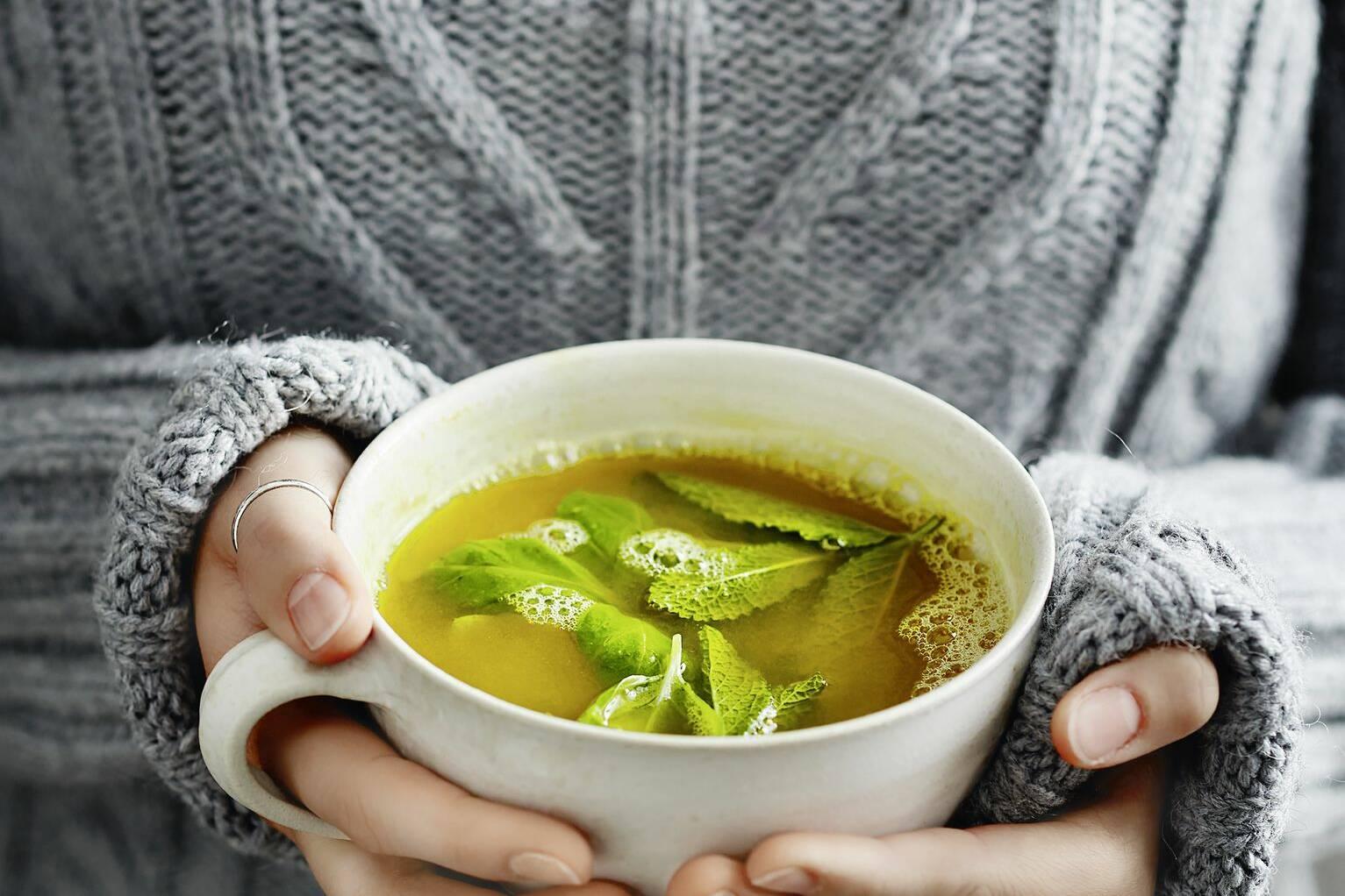 Apfel-Ingwer-Tee mit Kurkuma