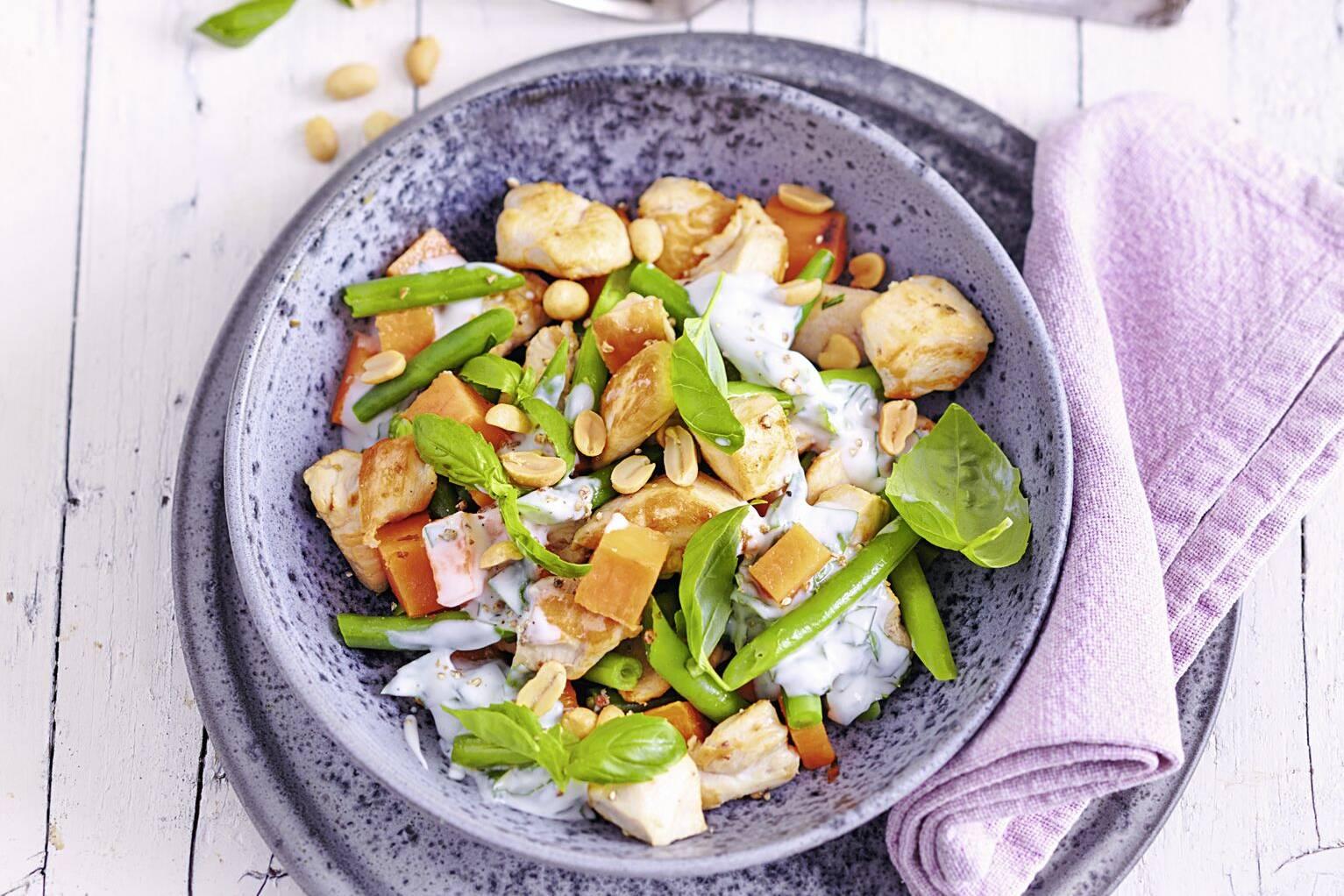 Salate zum Abnehmen mit Hühnchen Thunfisch