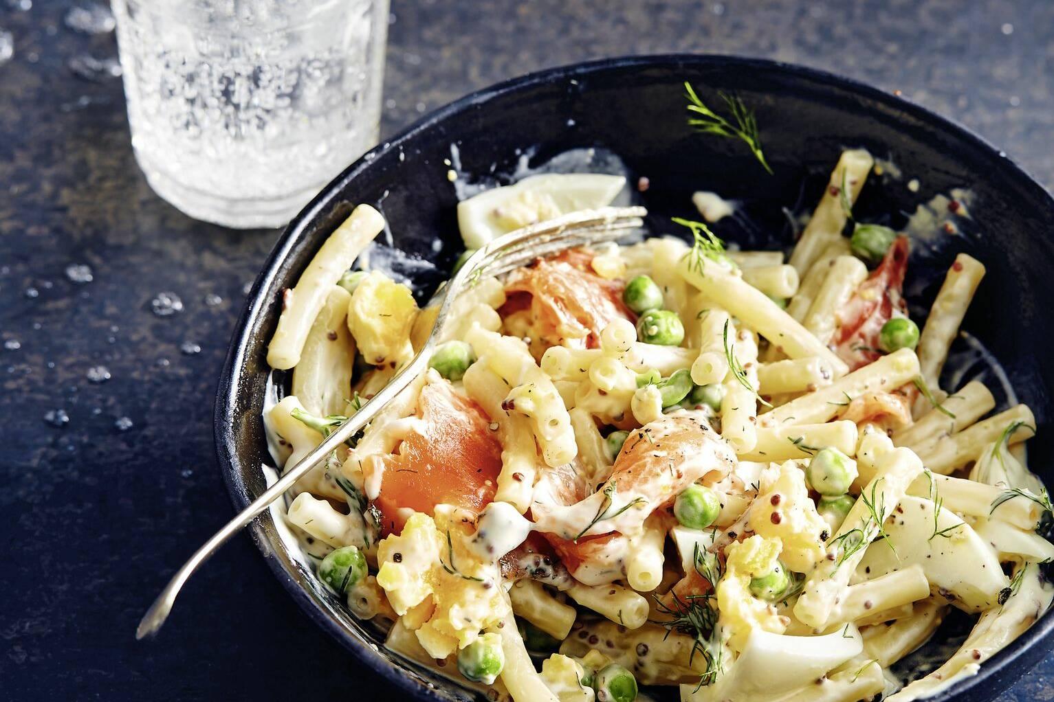 Nudelsalat mit Bohnen und Eiern | Rezept | Nudelsalat