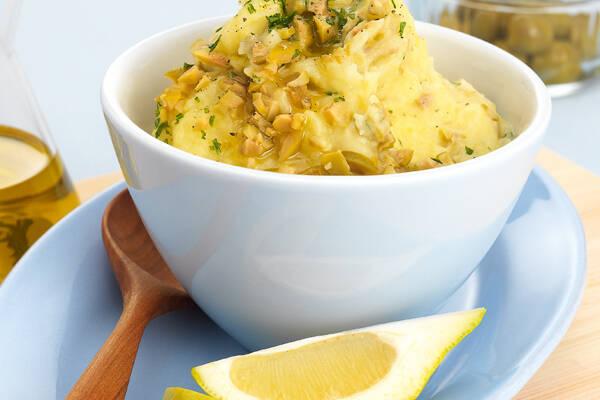 Kartoffelpüree mit Oliven auf französische Art