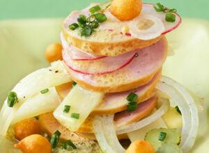 Leichter schweizer wurstsalat rezept k cheng tter - Gurken dekorativ schneiden ...
