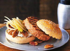 birne bacon burger rezept k cheng tter. Black Bedroom Furniture Sets. Home Design Ideas