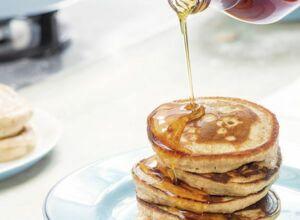 pancakes mit apfelsirup rezept k cheng tter. Black Bedroom Furniture Sets. Home Design Ideas