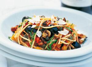 rezept f r pasta mit auberginensauce k cheng tter. Black Bedroom Furniture Sets. Home Design Ideas